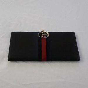 Gucci Vintage Authentic wallet made in Italy.